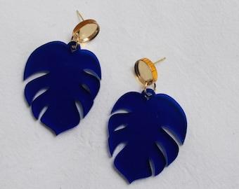 Monstera leaf earrings in blue / turquoise