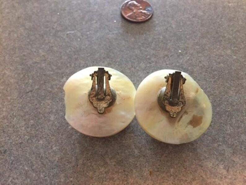 Retro Statement Earrings Clip on.So Unique VINTAGE Real SEASHELLS Earrings.Delicate 3D