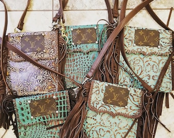 b0161c47faf2 Leather Embossed Crossbody Fringe Paisley Print Authentic Louis Vuitton  Purse Tote