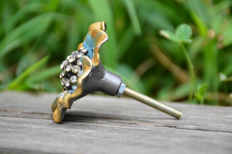 Cabinet knobdrawer pulldoor handlemetalflowerfloralcrystalbluegoldtealrhinestonedecorativeuniquecast ironfurniture hardware