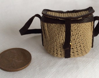1:12th Scale Dollshouse Miniature Fisherman's Basket Bag