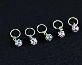 Metallic Rainbow Stitch Markers for Knitting; Can support needles US 1 - US 10.5