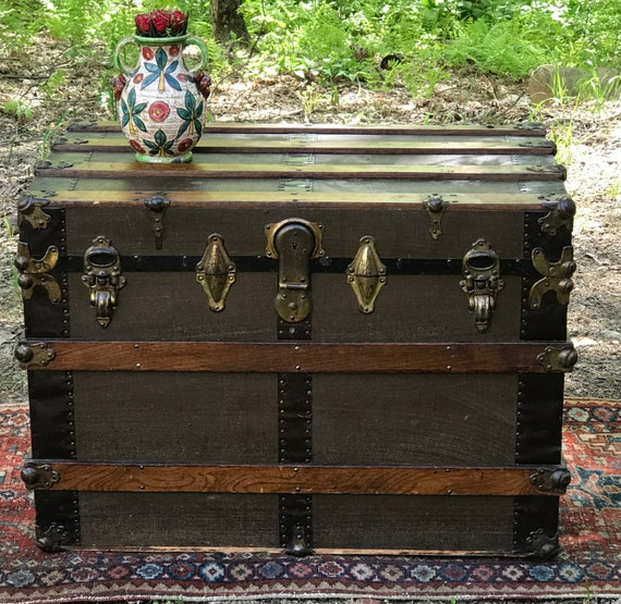 Antique trunk, coffee table, Ca. 1900's,  room organizer, original condition trunk with key and tray, Vintage Storage, Movie Prop, Toy Box