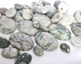 1 x Peace Jade Oval Cabochon - 13x18mm