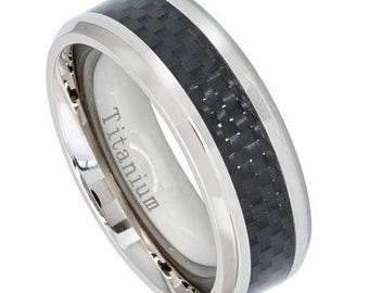 High Polished Titanium Ring with Black Carbon Fiber Inlay – 8mm
