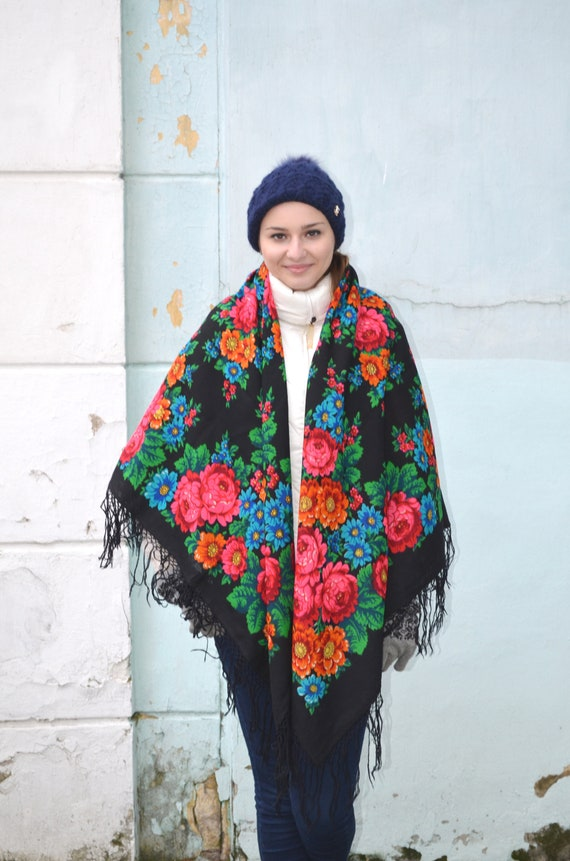 Vintage russian shawl Pavlovo Posad, Floral gypsy… - image 4