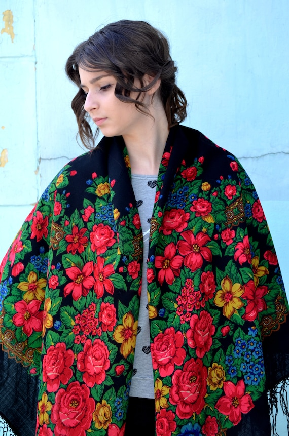 Vintage russian shawl Pavlovo Posad, Floral gypsy… - image 8