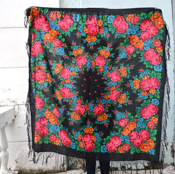 Vintage russian shawl Pavlovo Posad, Floral gypsy… - image 1