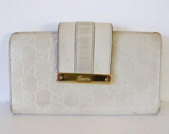 2c533c8f5c67 Gucci wallet genuine leather real designer purse ladies white VINTAGE  collectors bi fold monogram gold hardware