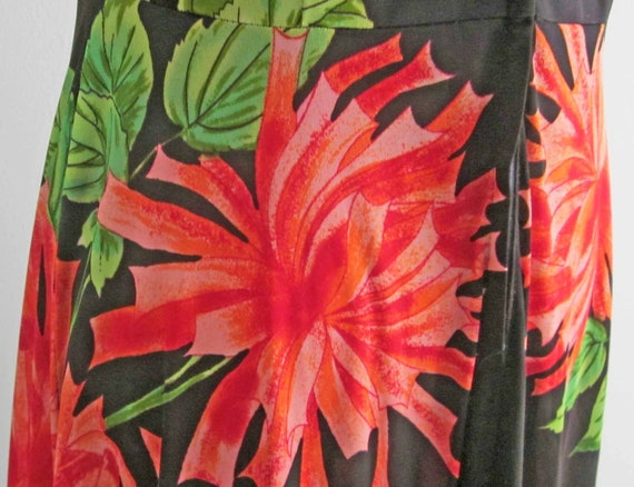 Red, Green and Black Sleeveless Maxi Dress Vintag… - image 5