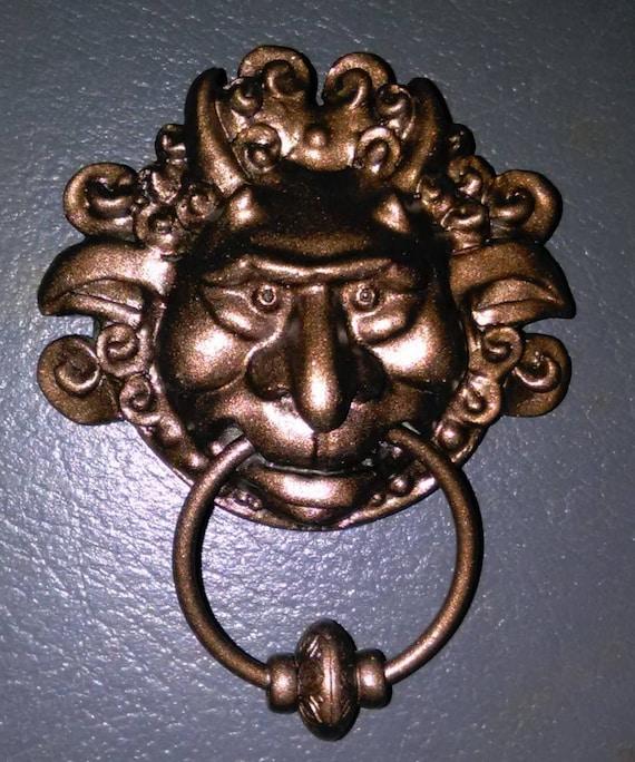 Acrylic Labyrinth Door Knocker collar pins