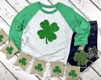 St Patricks Day Shamrock Raglan Shirt - St Pattys Day Shamrock Shirt Glitter Four Leaf Clover
