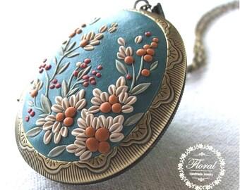 Vintage Floral Jewel