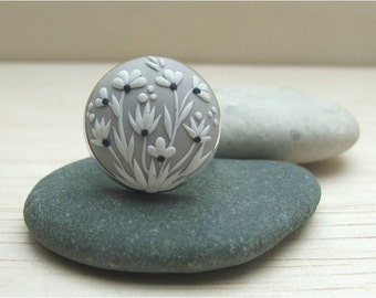 Flower Jewelry- Flower Polymer Clay Ring- Polymer Clay ring- Gray and White ring- MADE TO ORDER