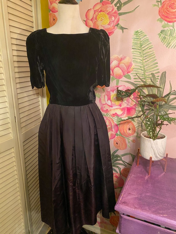 1950s Black Scalloped Dress