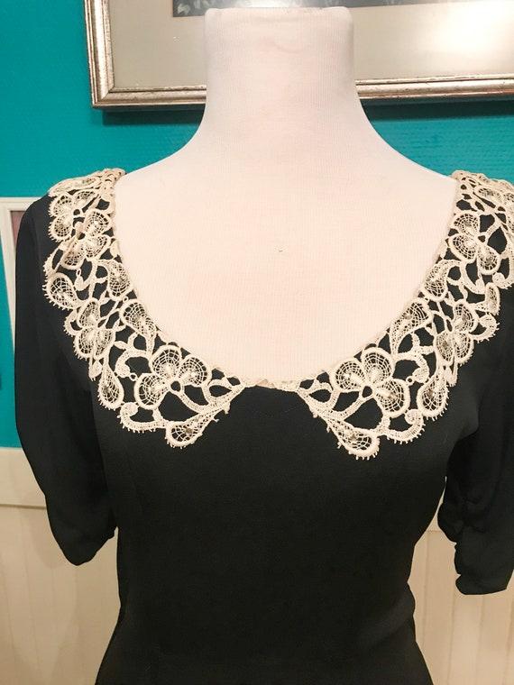 1940s White/Black Collar  Dress - image 4