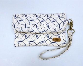 Wristlet wallet, clutch purse, clutch bag, fabric wallet, phone wallet, cell phone wristlet, zipper pouch, wristlet purse
