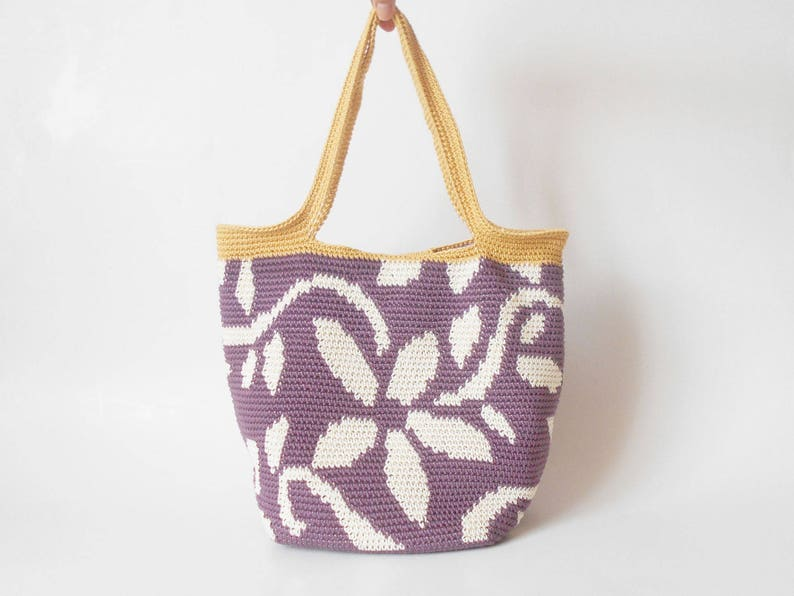 Crochet pattern for flower tote. Practice tapestry crochet to image 0