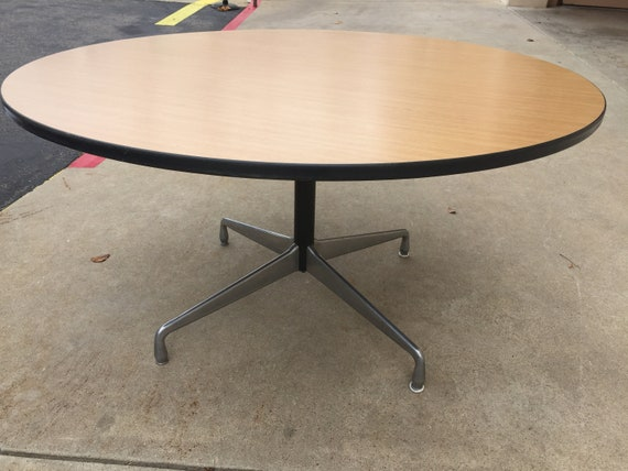 Herman Miller Eames Round Pedestal Table *(Shipping Is Not Free)