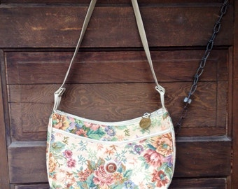 Vintage 90's All-Over Floral Tapestry Purse by Mitzy