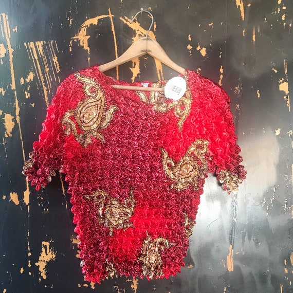 Vintage 90's Red with Gold Paisley Print Popcorn S