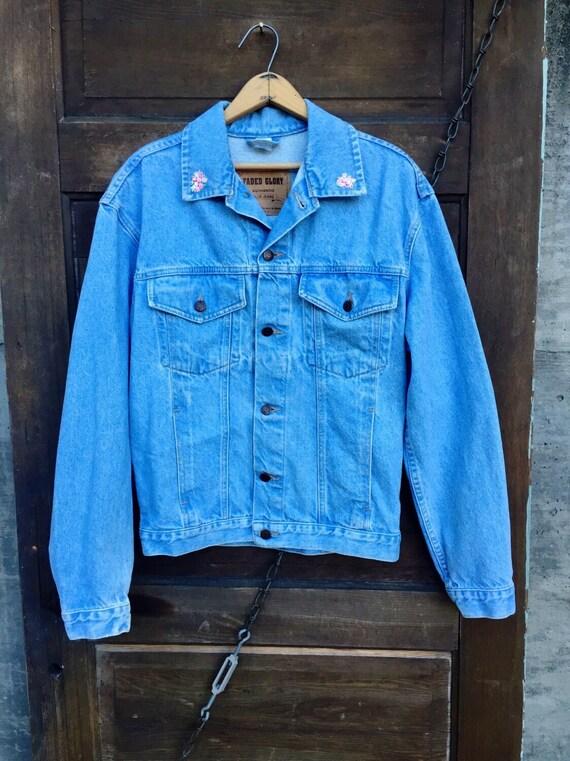 529186d364c Vintage 80 s Oversized Light Blue Denim Jacket with Floral