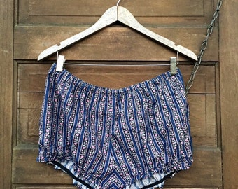 Vintage 60's/70's Handmade Magical Floral Bloomer Shorts Size Large