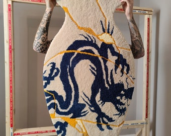 "KINTSUGI DRAGON VASE - Hand Tufted Rug - Wall Art - 27 x 42"""