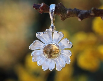 Sterling silver daisy pendant with citrine, unique flower pendant, wedding necklace, nature jewelry gift for woman, citrine pendant