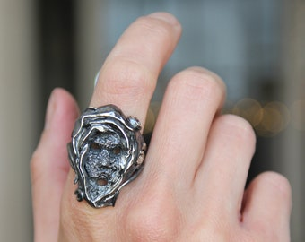 Face ring, statement ring, sterling silver ring, goth ring, gothic ring, mystical, large ring, unique ring, unisex, unusual jewelry