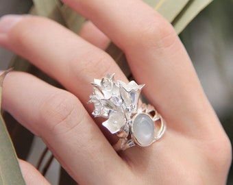 Custom flower ring with moonstone, unique handmade summer silver ring, romantic jewelry, gift for woman, floral or nature inspired jewelry