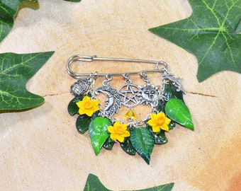 Equinox Blessings Primrose Bracelet Handmade Pagan Jewellery Celebrating Ostara with Spring Flowers