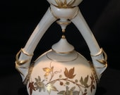 Stunning Worcester Royal Porcelain 7 inch Vase w double handle Rd No. 28576-1090 c.1886