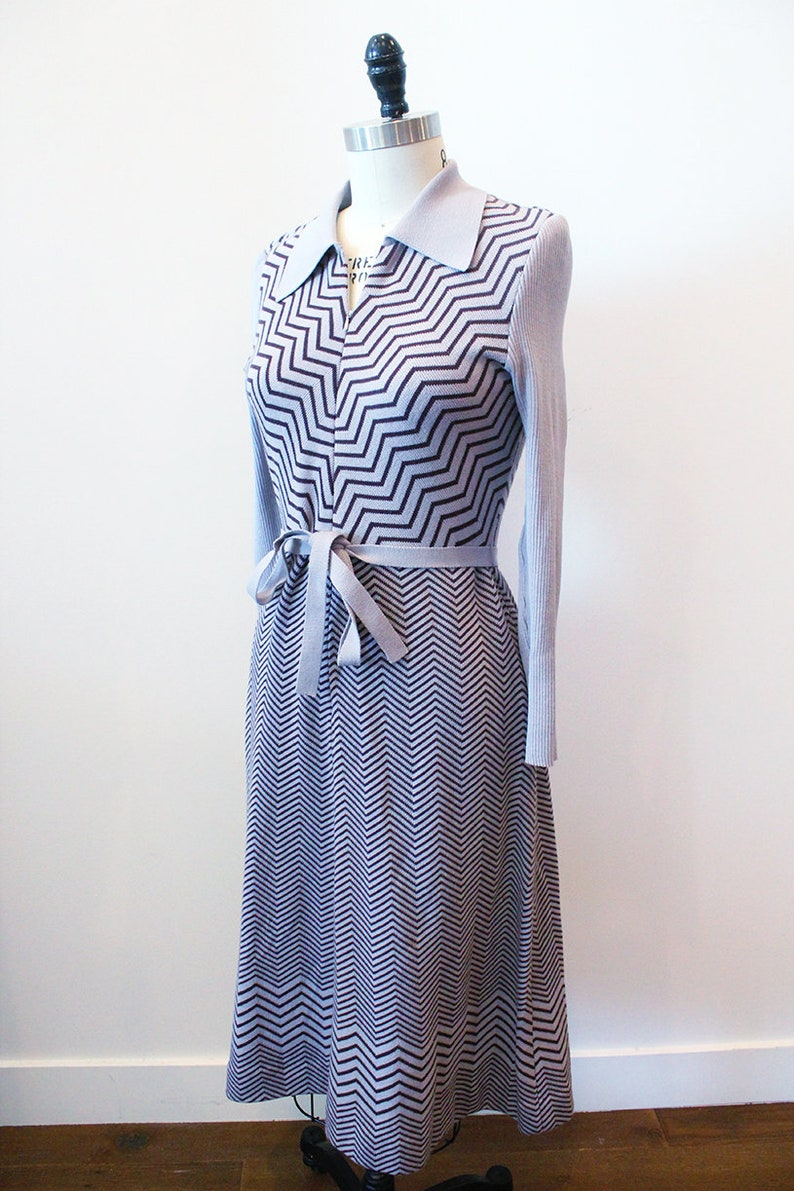 Vintage 1970/'s Japanese Knit Long Sleeve Dusty Purple Gray Sweater Dress wZig Zag Pattern  asian retro M medium midi 70s