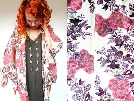 6544475f95 Vintage Japanse Creme Silk Kimono Haori Jacket w  Pink
