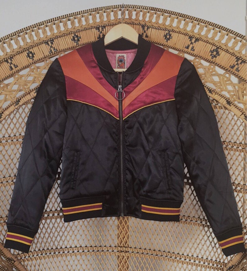 7f82cc942e5 Black Rising Sun bomber Jacket Quilted 70s style satin