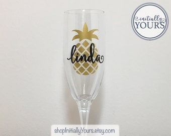 Personalized Pineapple Champagne Flute, Gift Hostess, Champagne Pineapple, Champagne Gift Idea, Hostess Gift Idea, Shower Hostess Gift