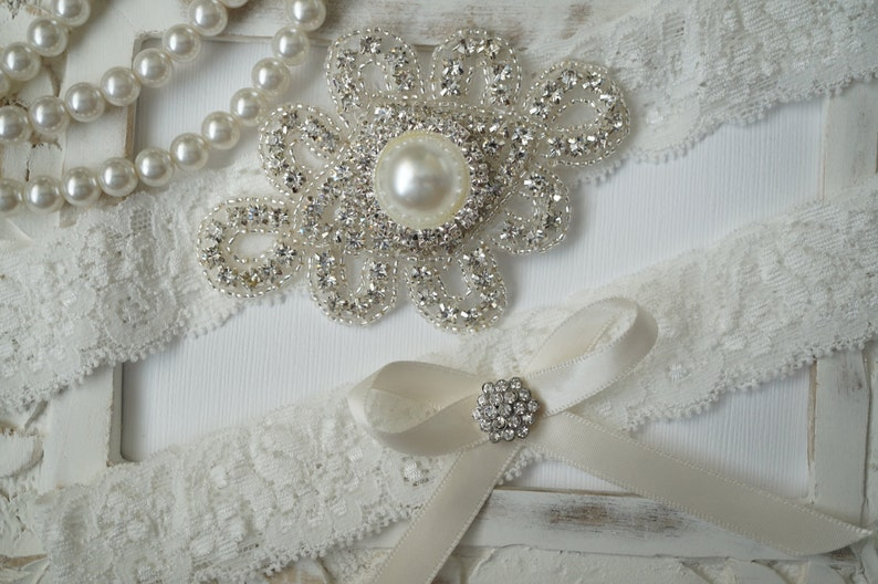 38236b003 Wedding Garter Set Bridal Garter Set Vintage Wedding Ivory