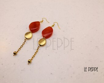 Gold pendants and earrings agate