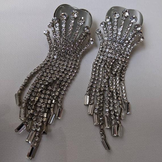Vintage 1980s heart dangle rhinestone earrings