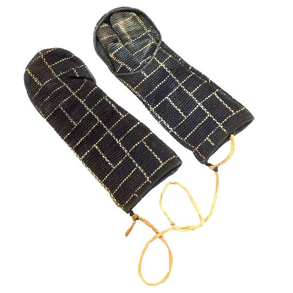 Japanese Sashiko Fireman's Gloves Brick Pattern