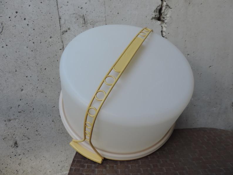 70s Tupperware Cake Server Tote Yellow Take Along Serving Storage Kitchen Gadgets Decor Storage