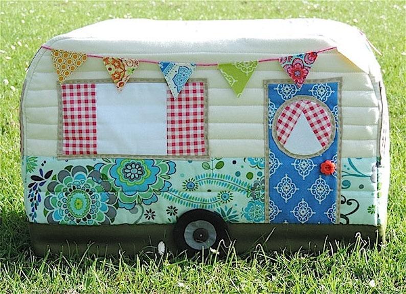 Vintage Caravan Sewing Machine Cover Pattern image 0