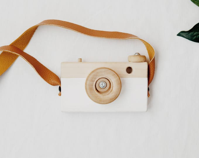 Featured listing image: Wooden Toy Camera
