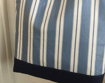 Summer tote bag in blue and white striped poplin/polished cotton, lined in blue cotton