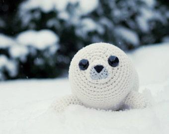 PATTERN - Bubbly the Baby Seal (crochet, amigurumi) - in English
