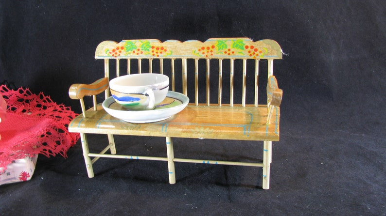 Pleasing Royal Sealy Doll Deacons Bench Hand Painted Holly Folk Art Doll Furniture Pennsylvania Dutch Bench For Doll Display Vintage 1950S Inzonedesignstudio Interior Chair Design Inzonedesignstudiocom
