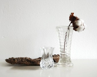 Two sweet vintage glass vases.