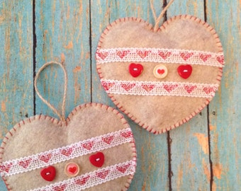 Valentine's Cozy Hearts / Hanging Hearts / Decorative Hearts / set of 2 Hearts / Handmade and Design in Felt and Decor Cute Details