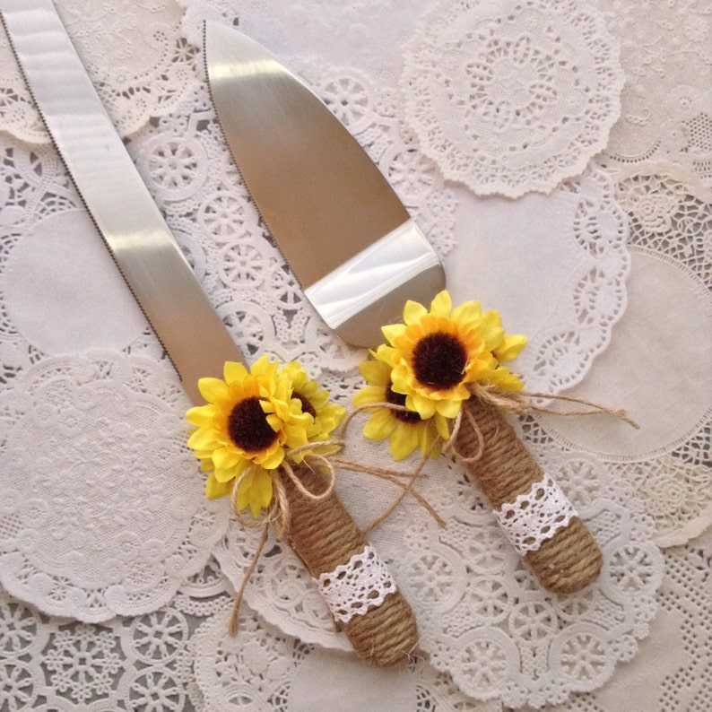 Wedding Cake Server and Knife Set / Sunflower Wedding Cake image 0